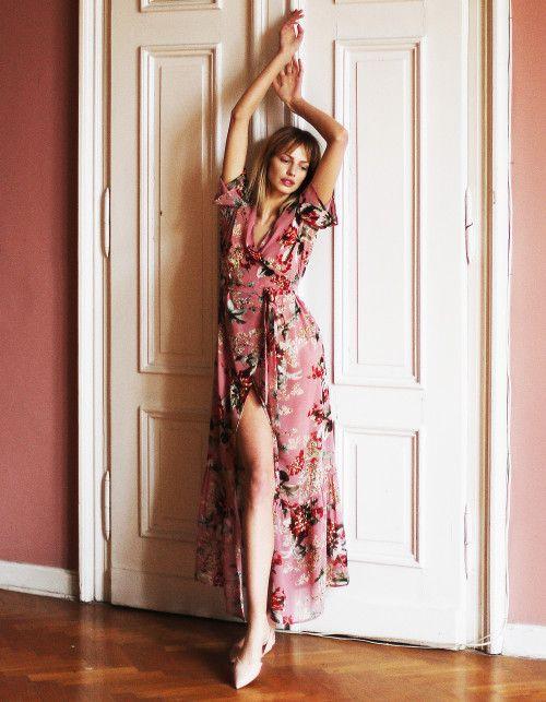 Sukienki W Kwiaty Wiosna Lato 2018 Elle Pl Trendy Wiosna Lato 2020 Moda Uroda Modne Fryzury Buty Manicure Sukienki To Fashion Dresses Floral Prints