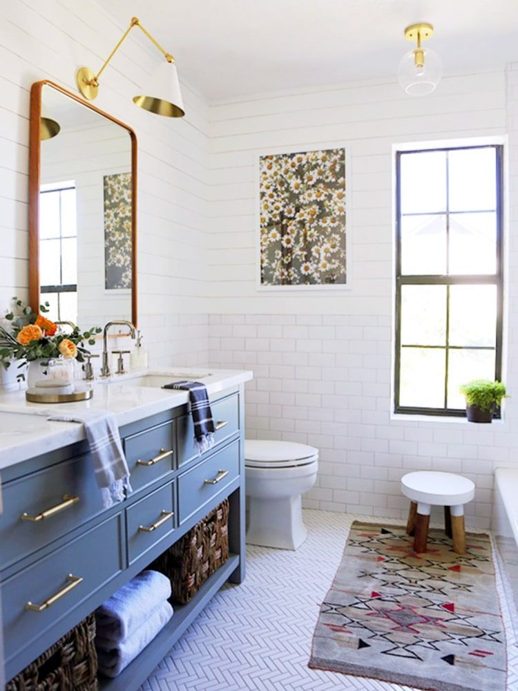 Photo of This Kids Bathroom Makeover Squeezes Style into a Tiny Space