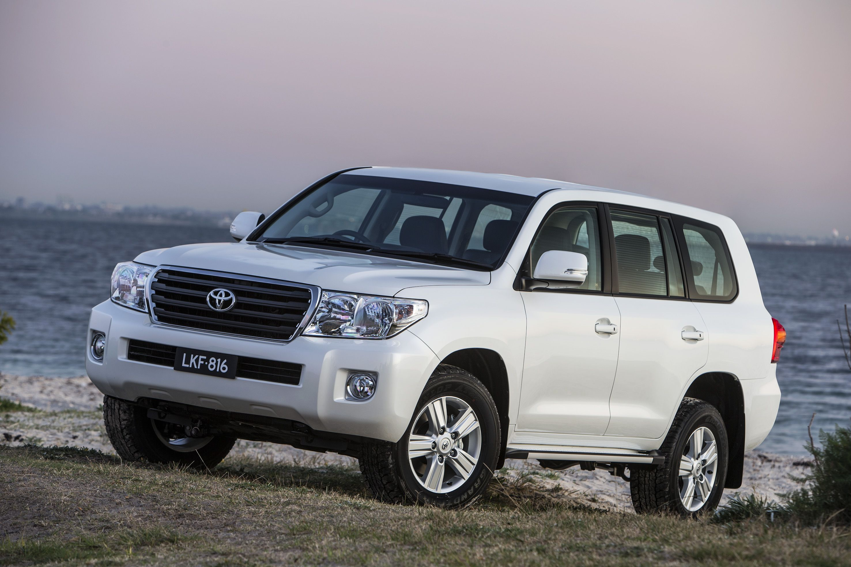 All landcruiser 200 series models attract a five star ancap safety rating it s rated