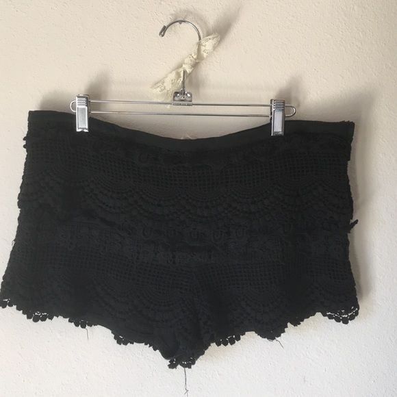 URBAN OUTFITTERS Black Crochet Shorts URBAN OUTFITTERS Black Crochet Shorts. Will look amazing with a loose top and flats for a music festival. Never worn! Brand is Pins and Needles. Urban Outfitters Shorts