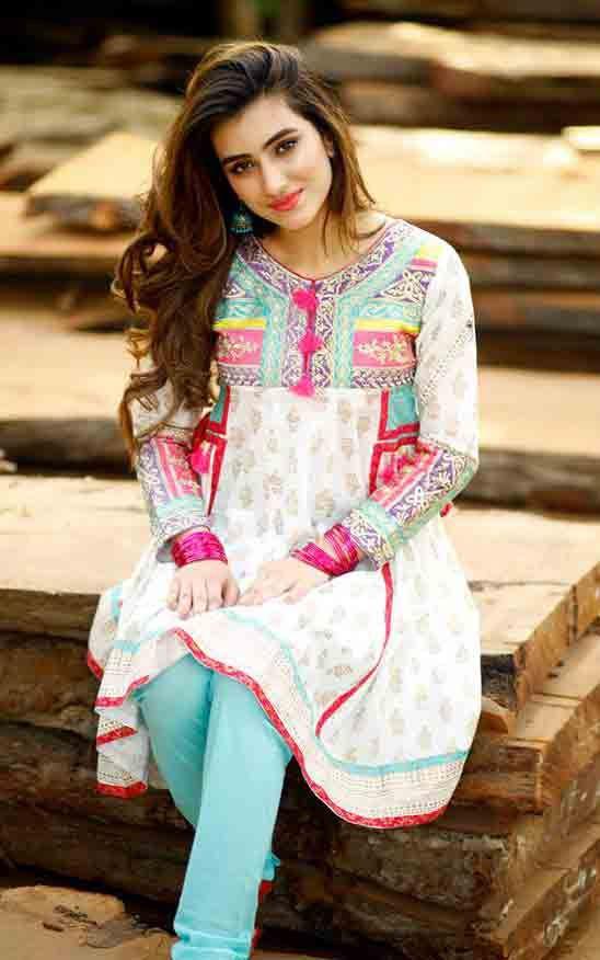 3595b364608 Latest white short shirt style Zahra Ahmad Eid dresses for girls in Pakistan