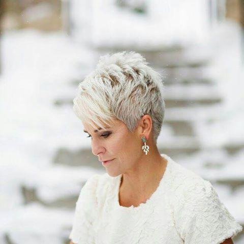 Du Suchst Noch Ein Paar Anregungen Fur Eine Kurzhaarfrisur Neue Frisur Kurzhaarfrisuren Pixie Haarschnitt Pixie Schnitt