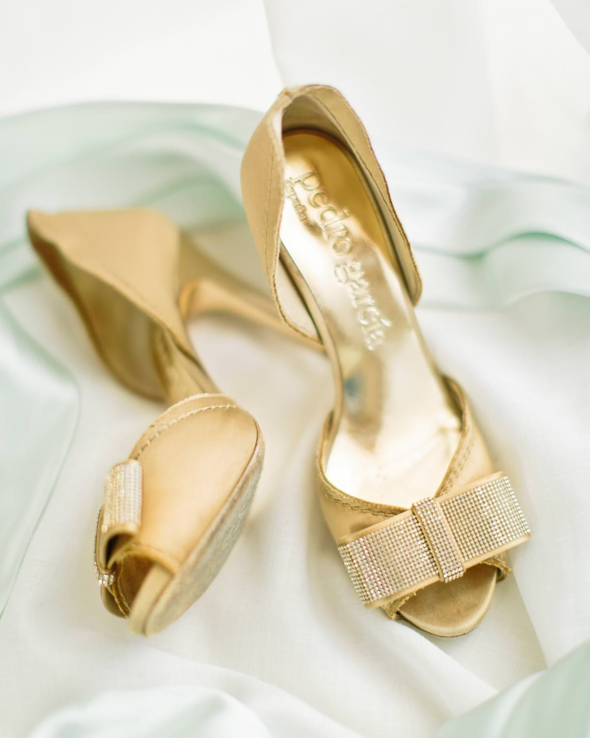 711361ddcc0693 The Top Designers of Wedding Shoes (with photos)