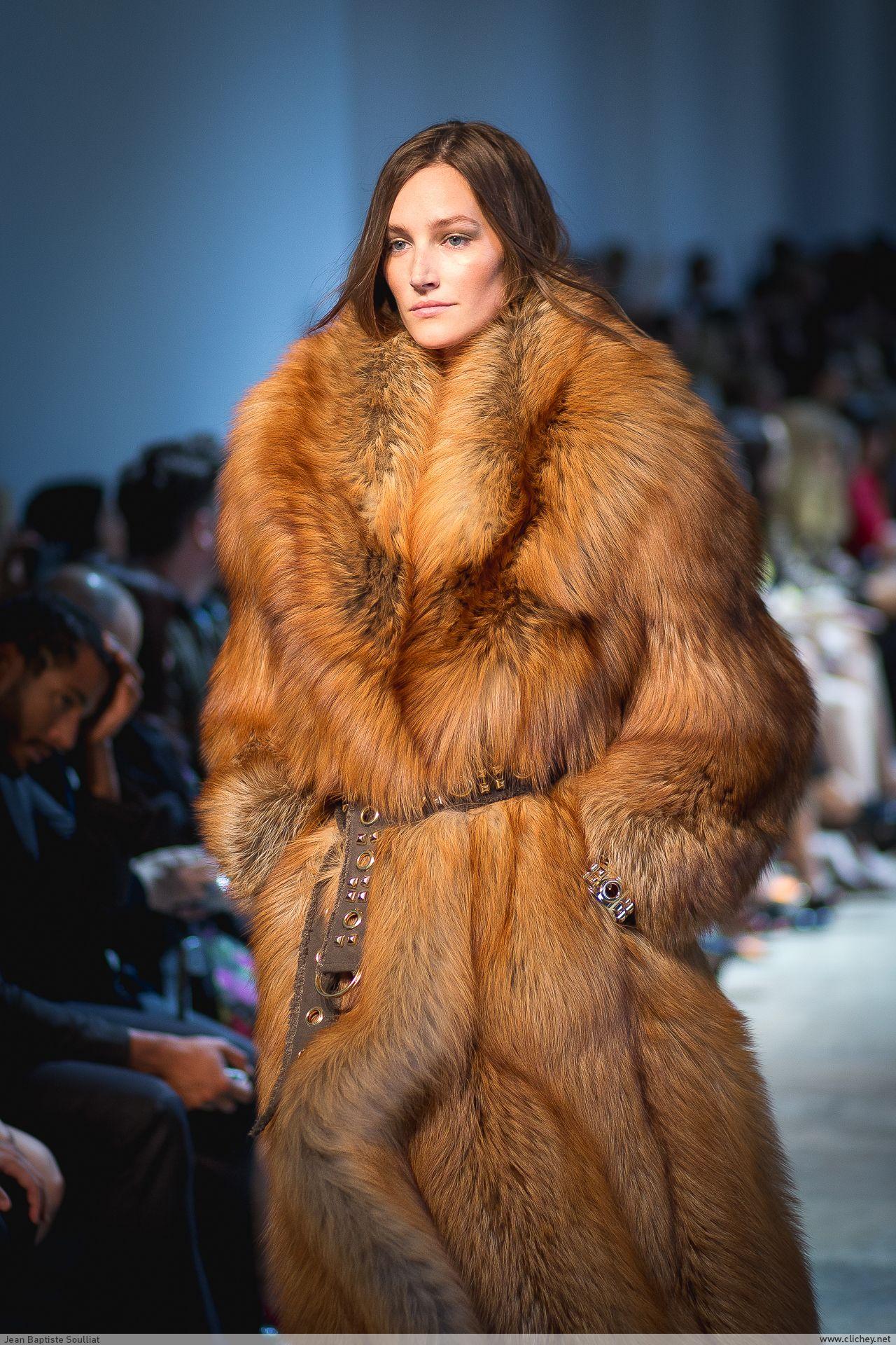 red fox fur coat … | fashions | Pinterest | Fox fur coat, Fur ...