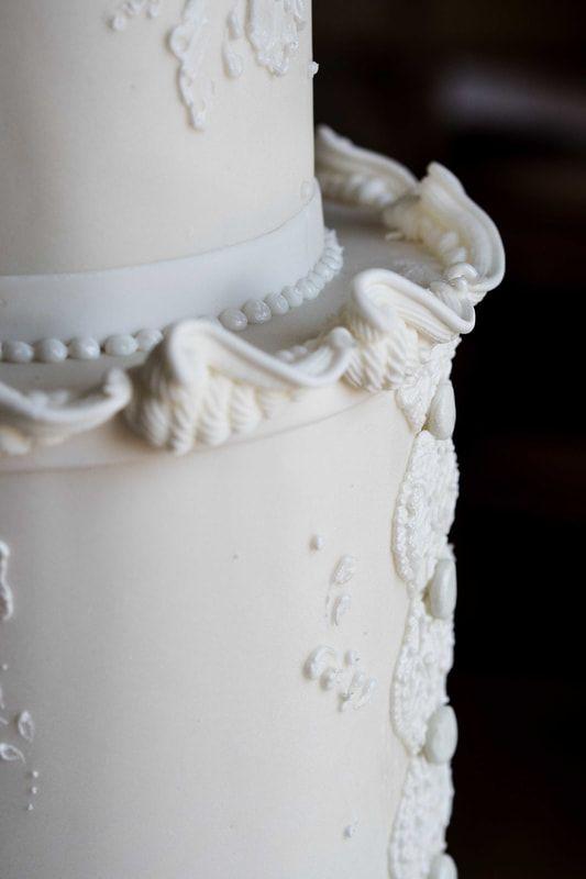 The Frostery Bespoke Wedding Cake Design Torta