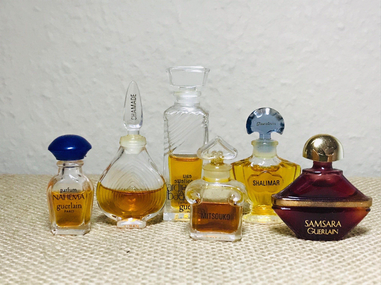Kleine Sammlung Von 6 Miniaturparfums Guerlain Chamade Mitsouko Shalimar Samsara Nahema Jardins De Bagatelle Parfum Miniatur Maiglockchen