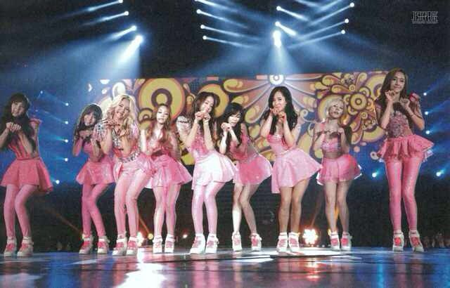 150414 GIRLS GENERATION WORLD TOUR GIRLS&PEACE IN SOUEL photo book