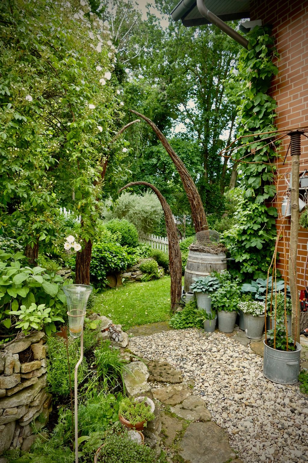 Garten Impressionen Im Juni Karin Urban Naturalstyle Garten Rustikaler Garten Naturgarten