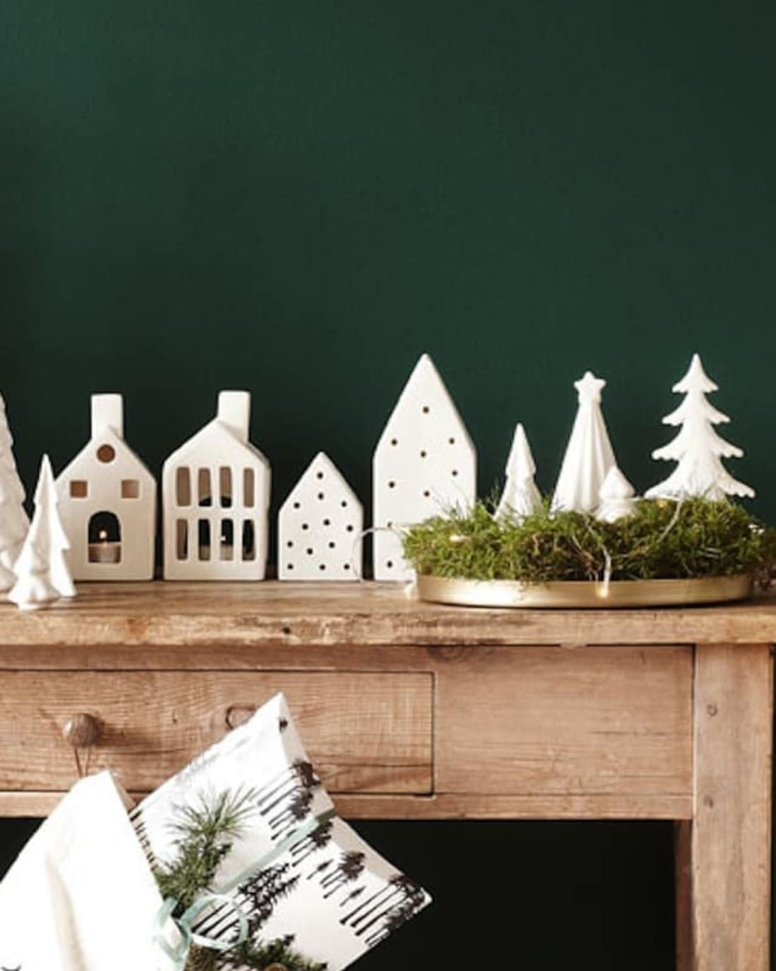 Have A Very Hyggelig Holiday 65 Scandinavian Decorating Ideas In 2020 Scandinavian Christmas Decorations Diy Minimalist Christmas Decor Minimalist Christmas