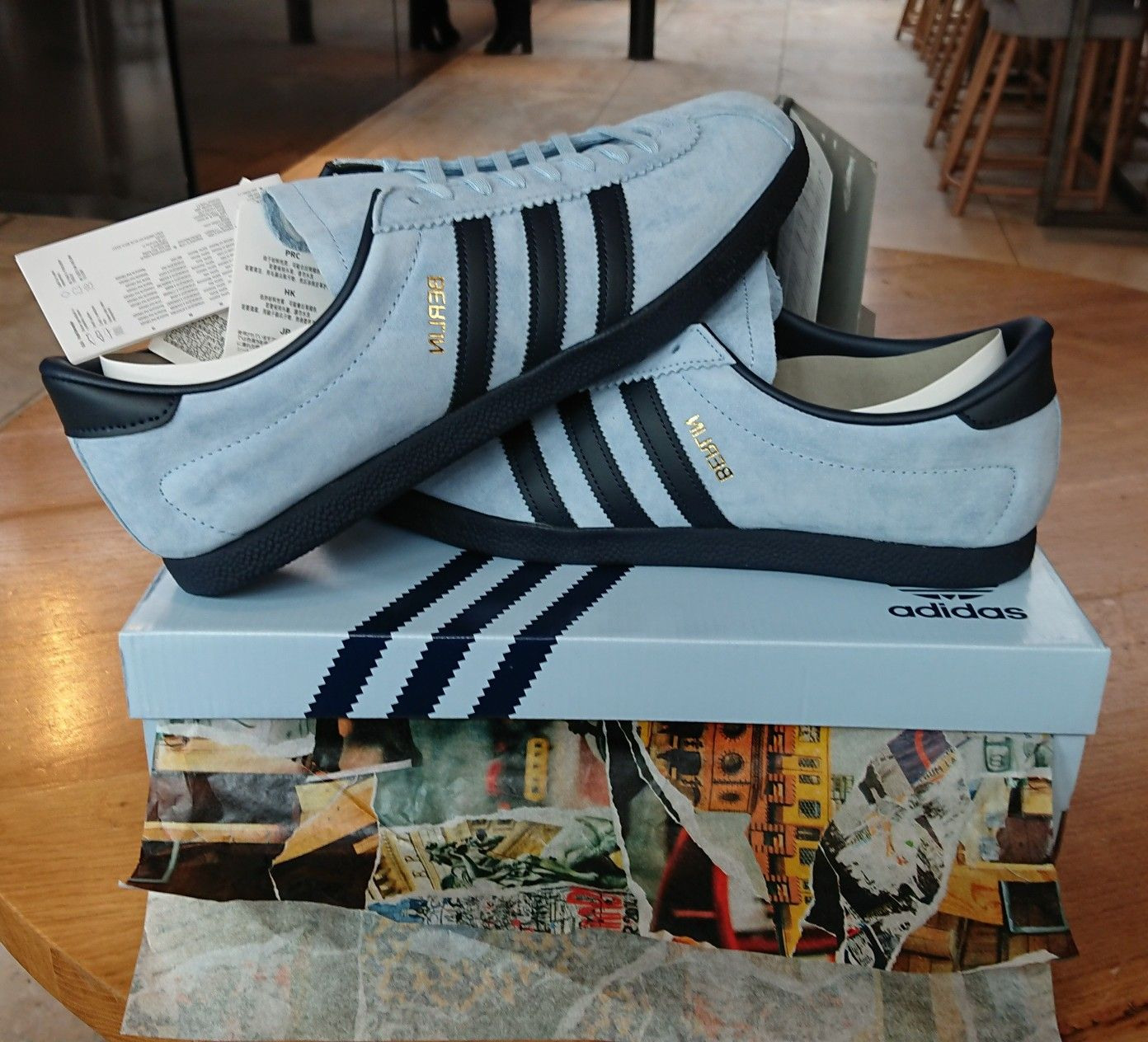 Berlin reverse colourway (sky blue and collegiate navy