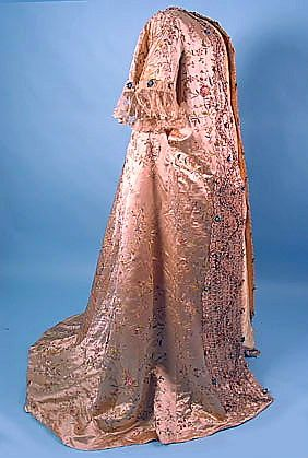 embroidered robe-18th century by KoiFysh2009, via Flickr