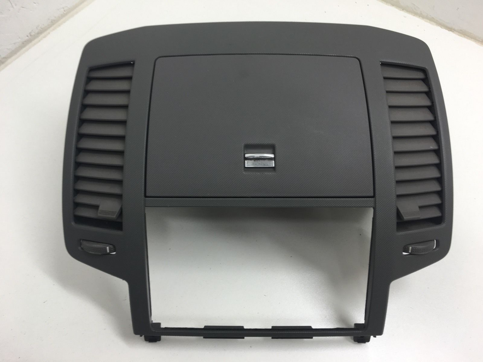 05 06 nissan altima gray radio bezel with vents and storage 2005 2006 with