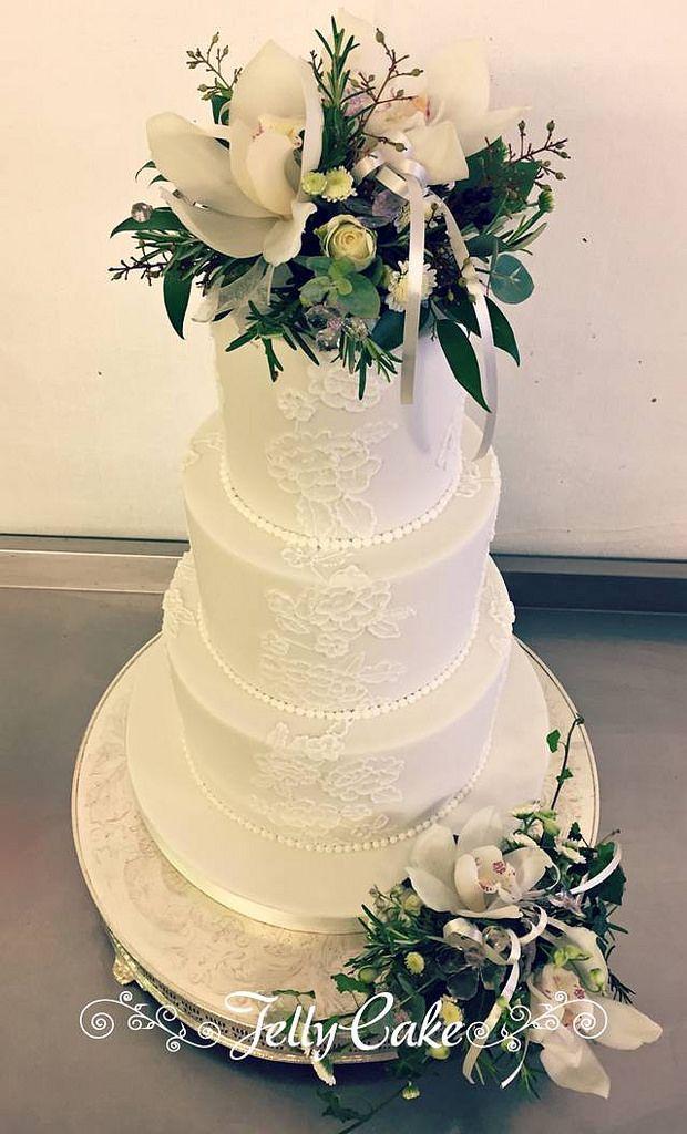 Piped Lace Panels Wedding Cake | Wedding cake, Fresh flowers and ...