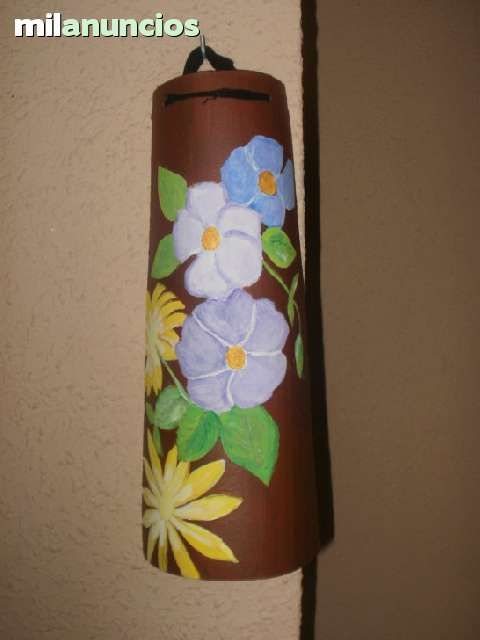 Tejas pintadas a mano 63785096 480 640 tejas for Pintura para tejas