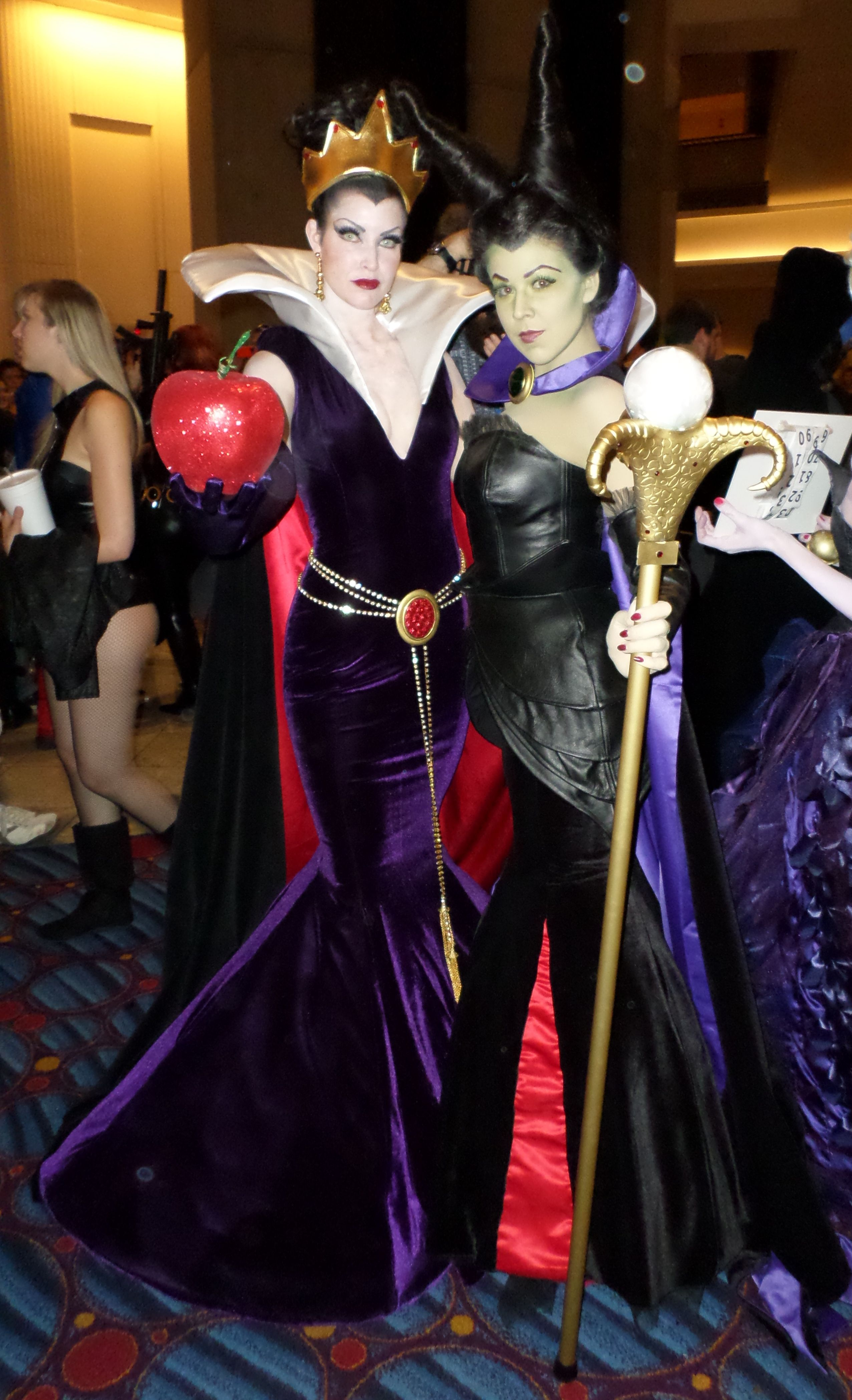 Really cool evil queen costumes. | I'm STILL Dressing Up ...