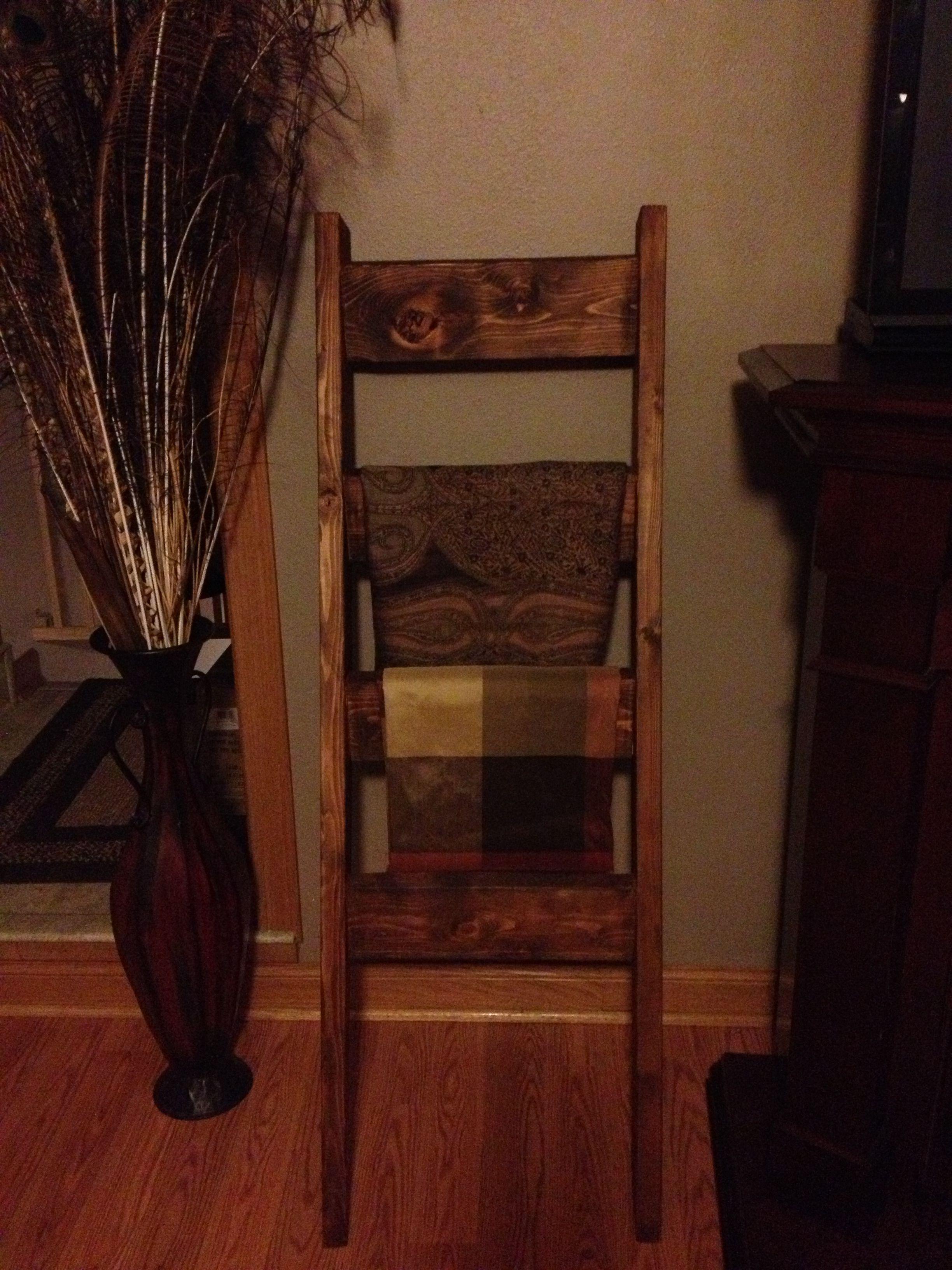 DIY scrap 2x4 blanket ladder! So easy and functional! www