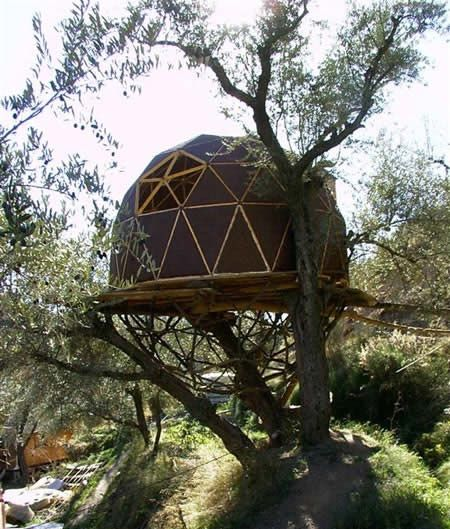 Geodesic Dome Home Designs: 10 Most Awesome Tree Houses