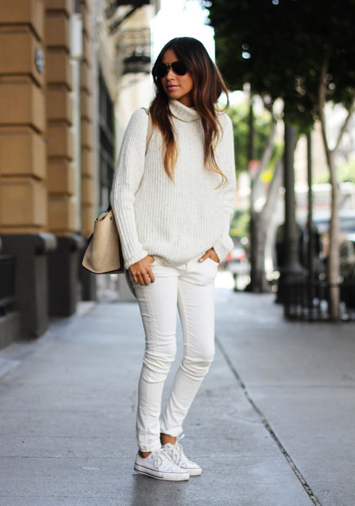 213299b442 turtleneck top with white jeans and sneakers