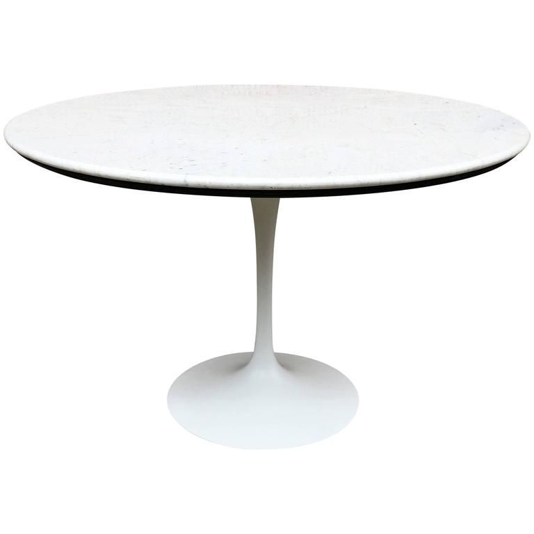 Eero Saarinen Tulip Base Dining Table With Carrara Marble Top - Saarinen carrara marble table
