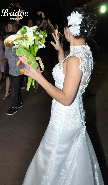 Para quem também já foi noiva e tem um vestido para inspirar...  Este é um Maison Sophie usado no casamento da Ana Paula Leal, assessora de eventos da Bridge Cerimonial (Foto: Alexandre Bertão)