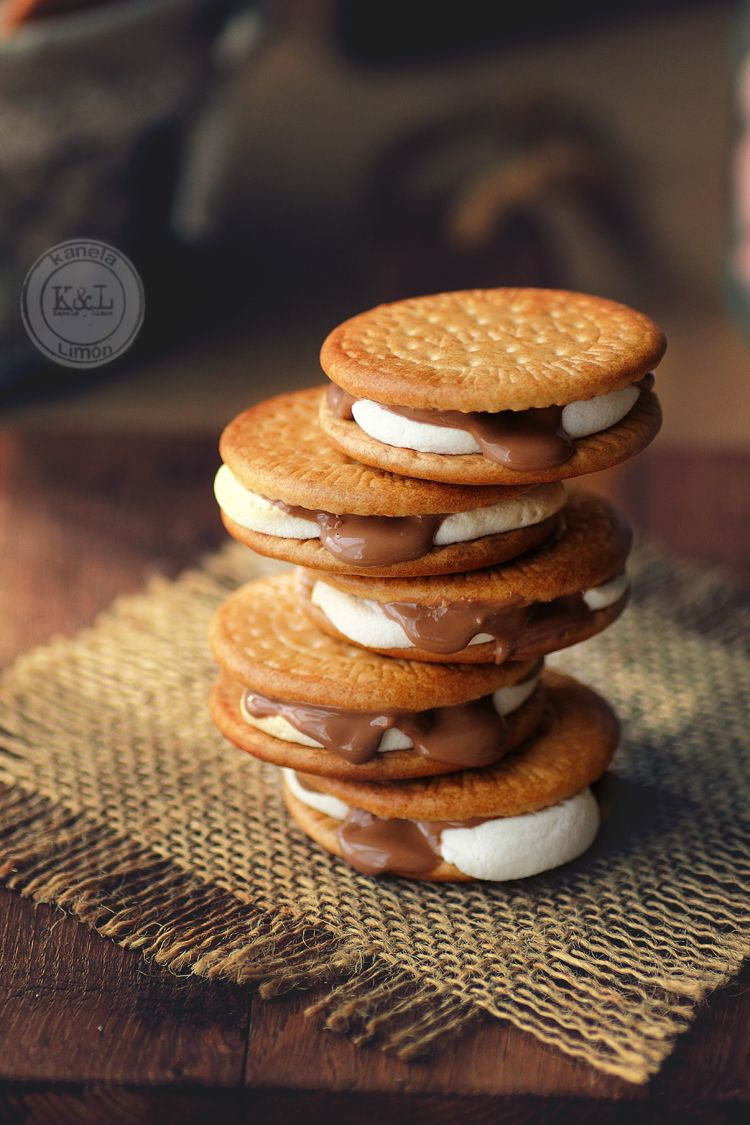 Galletas con nubes y chocolate
