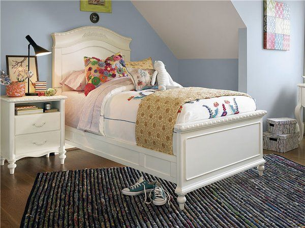 #Bellamy #Reading #Bed #Twin #bedroom #mine #relax #cozy #design #layout  #furniture #wood