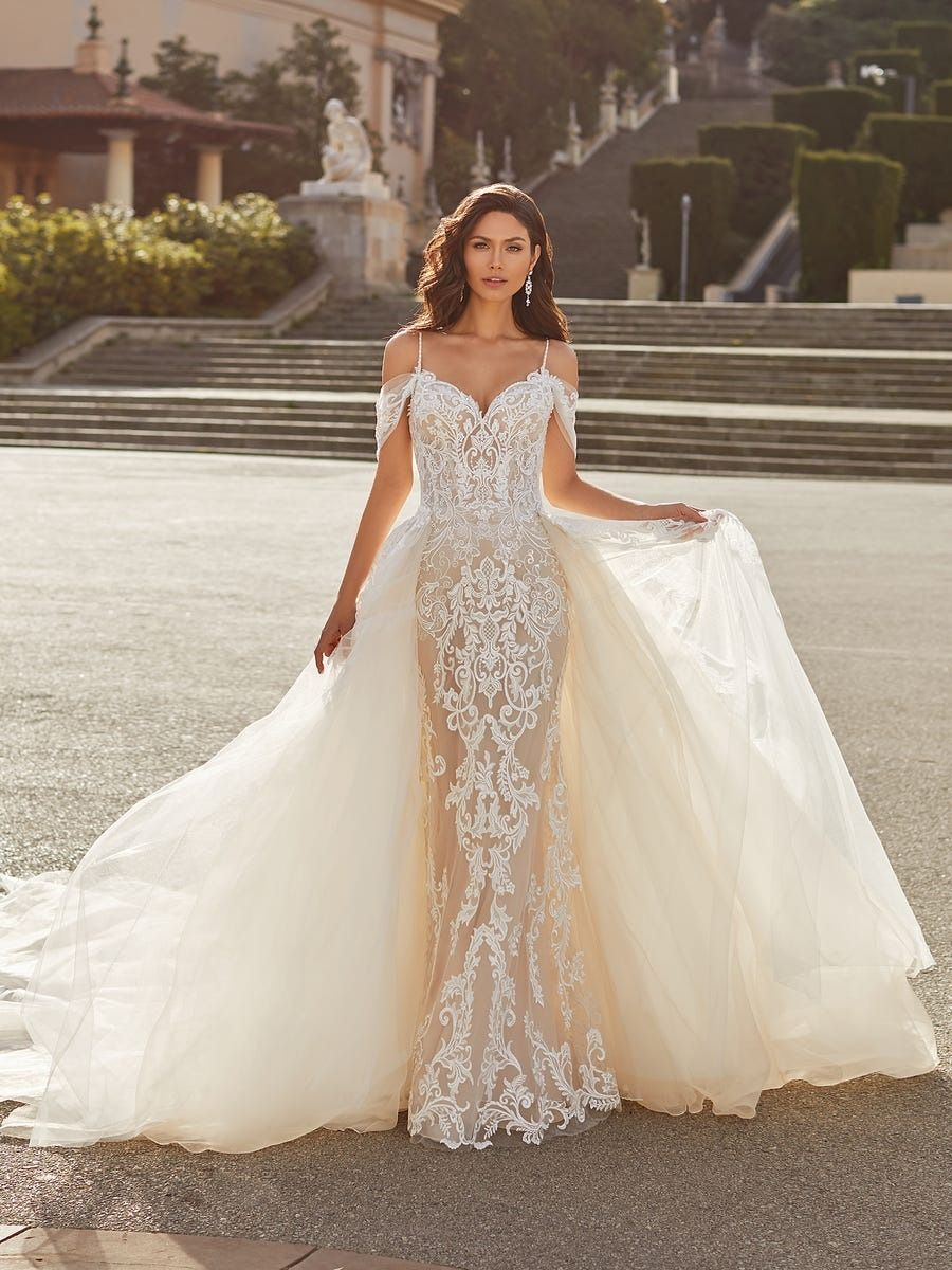 Romantic Mermaid Off The Shoulder Gown With Detachable Train Joanne Pronovias Mermaid Wedding Dress Pronovias Wedding Dress Princess Wedding Dresses [ 1200 x 900 Pixel ]