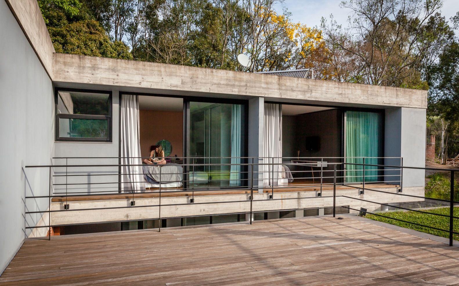 Galer a de casa pereira narvaes sucra arquitetura for Galerias casas minimalistas