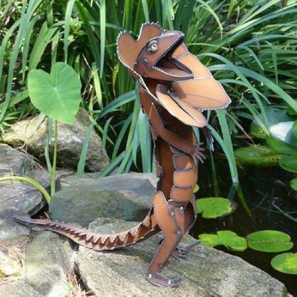 recycled metal lizard for garden decor - Metallic Garden Decor