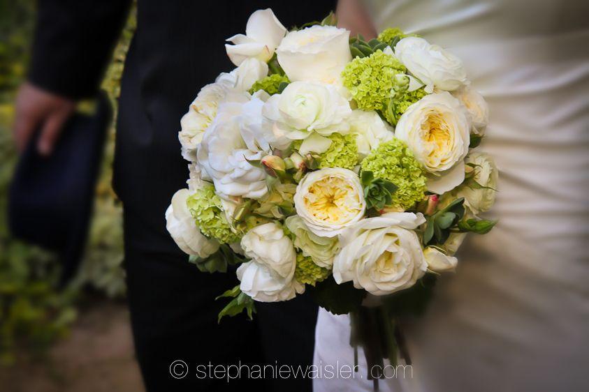 Cream garden roses & vibernum www.seedfloral.com