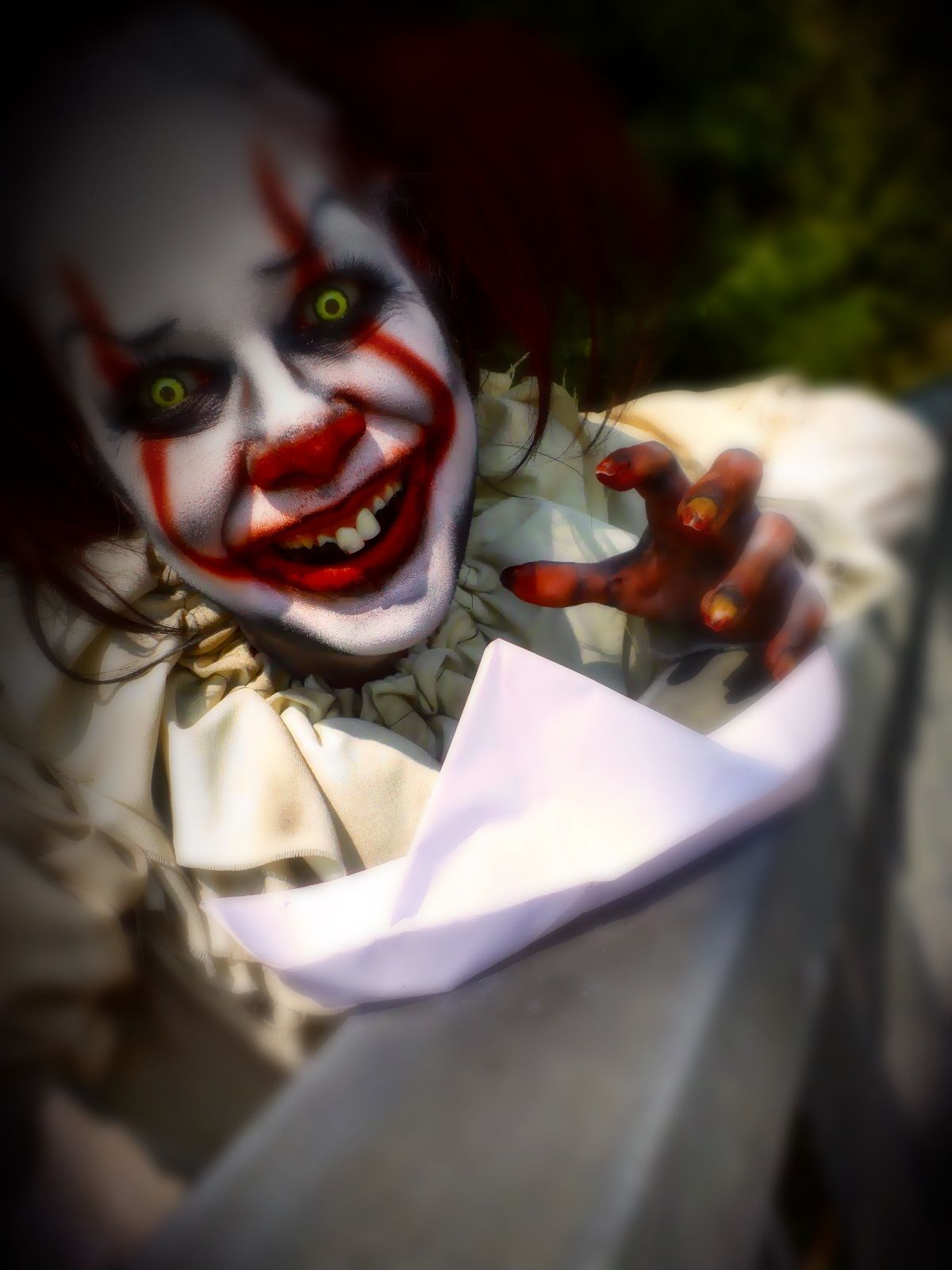 Pennywise makeup. Stephen King's IT 2017. Stephen King