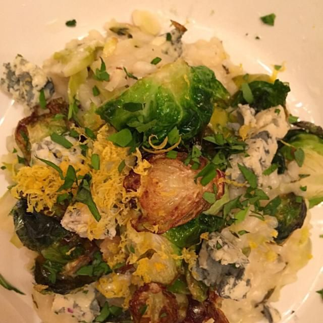 レシピとお料理がひらめくSnapDish - 6件のもぐもぐ - Fried Brussels sprouts and lemon risotto by Matthew Cashen