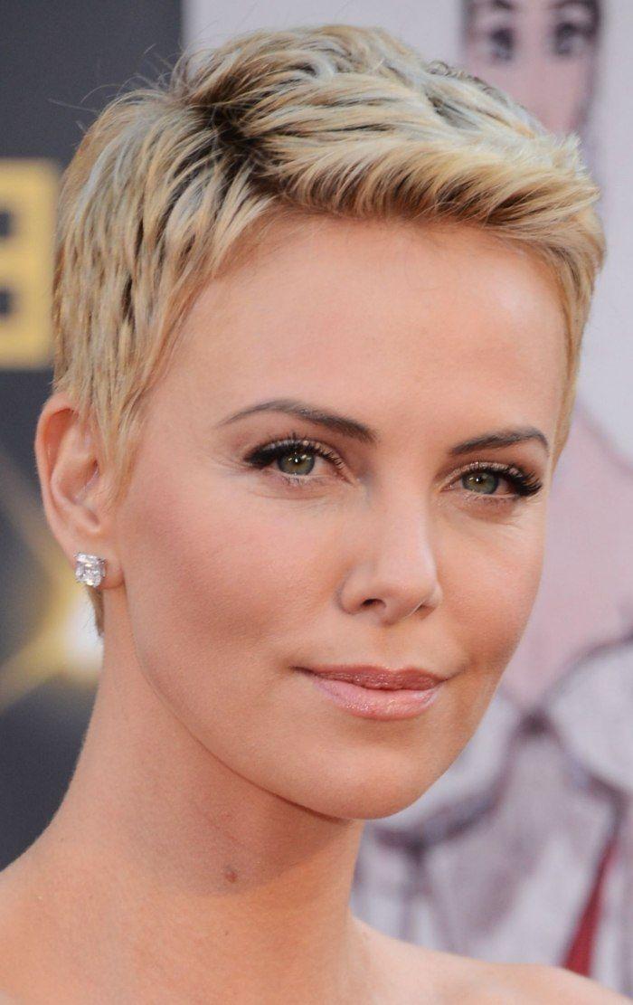 Elegant Kurzhaarfrisuren Frauen Hohe Stirn In 2020 Frisuren