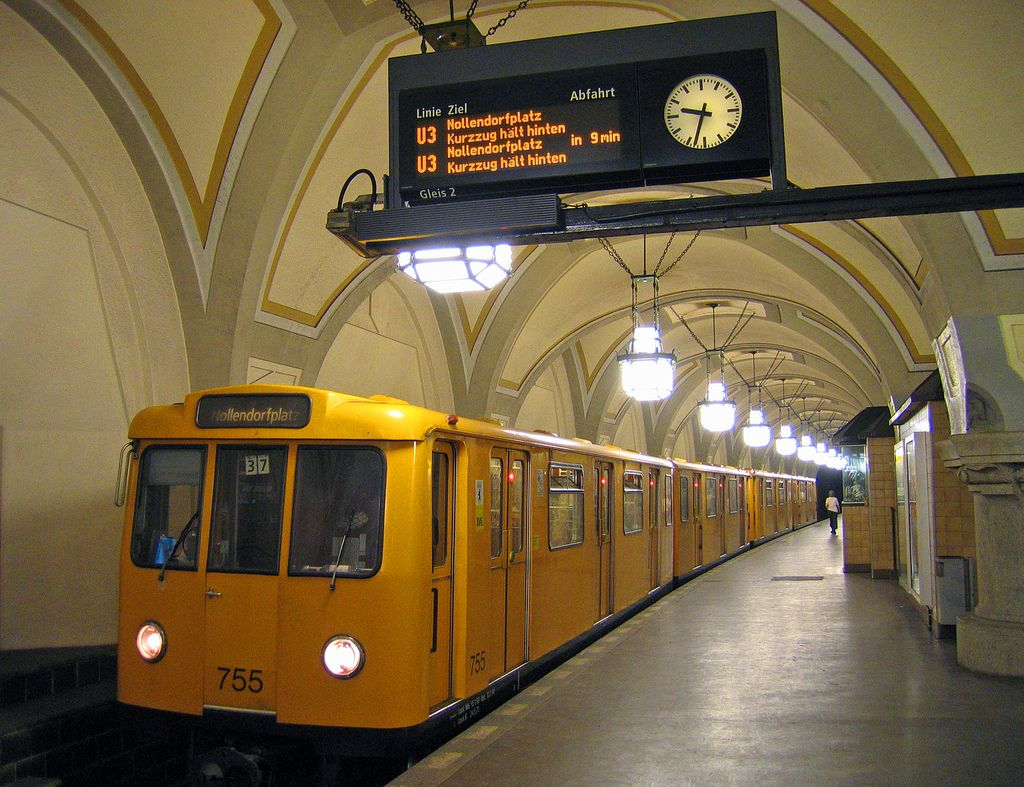 Heidelberger Platz U Bahn Line 3 Berlin In 2020 Berlin Train System