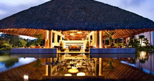 Jetsetter's Best of the Best Awards honors the Blue Diamond Riviera Maya, among other hotels and resorts.