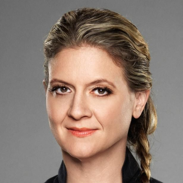 Amanda Freitag Is A Judge On Chopped And The Co Host Of American Diner Revival Alongside Ty Pennington Amanda Has Amanda Freitag Iron Chef America Iron Chef