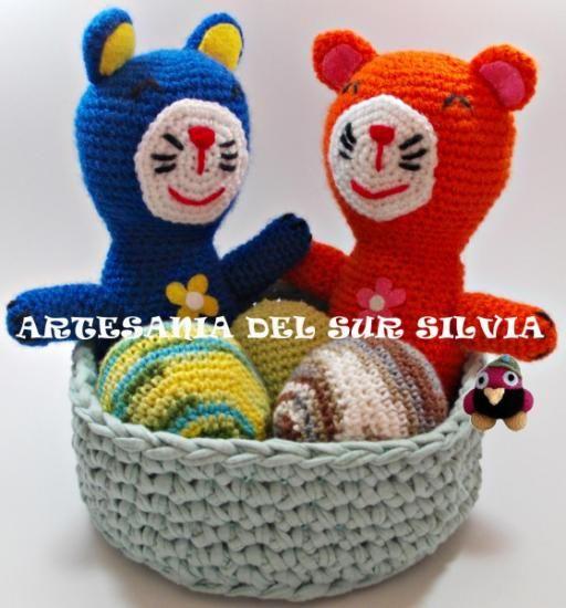 Pack amigurumis gatitos+cesta+3 bolas