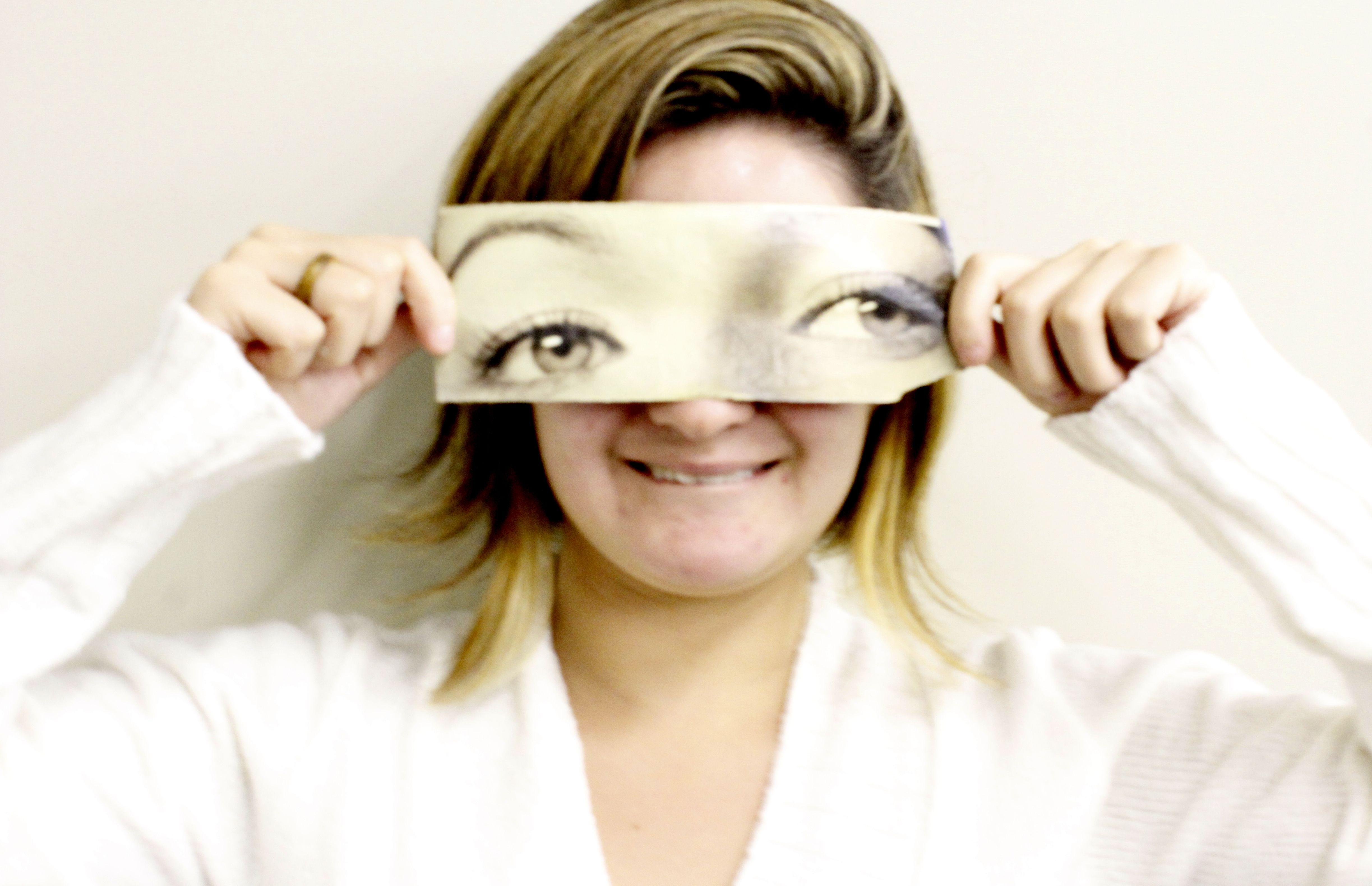 """Ensaio Fotográfico """"Não são só os olhos"""" Modelo: May Smay Foto: Victor Crispim"""
