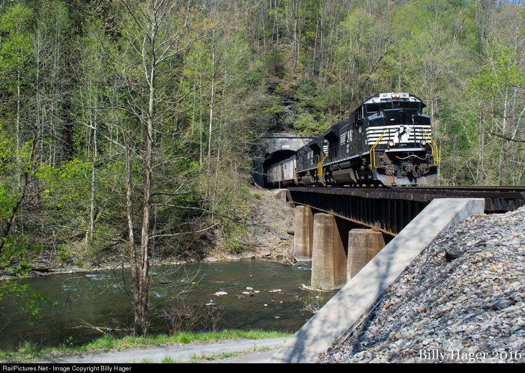 RailPictures.Net Photo: NS 1121 Norfolk Southern EMD SD70ACe at Twin Branch, West Virginia by Billy Hager
