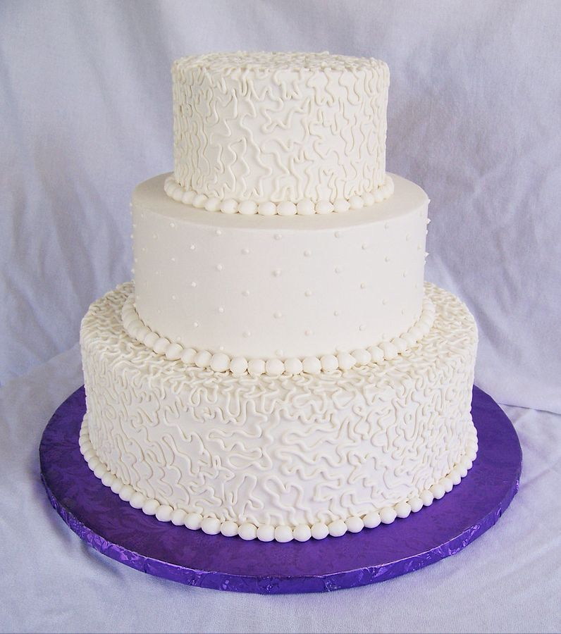 Simple-wedding-cakes-with-buttercream_7979.jpeg (796×900