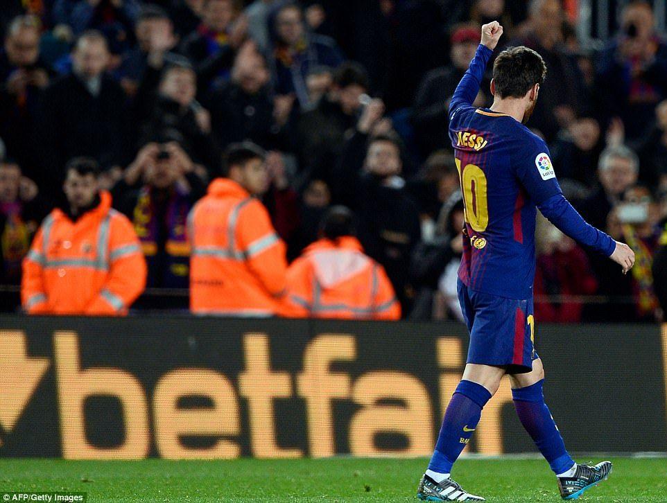 Barcelona 2 1 Alaves Messi And Suarez Rescue La Liga Leaders Messi Barcelona Now Barcelona