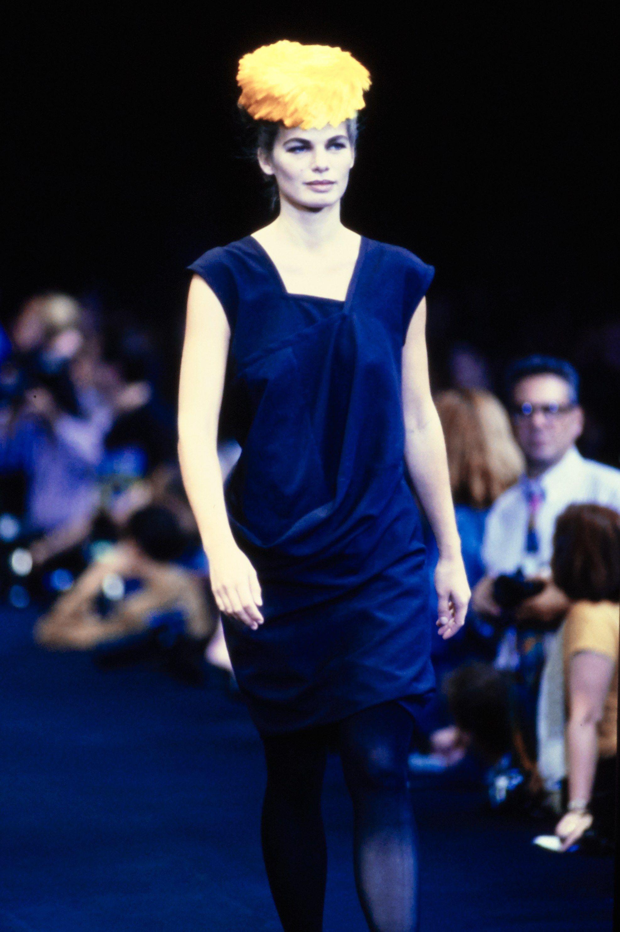9b05d01b664990 Comme des Garçons Spring 1991 Ready-to-Wear Fashion Show - Cordula Reyer