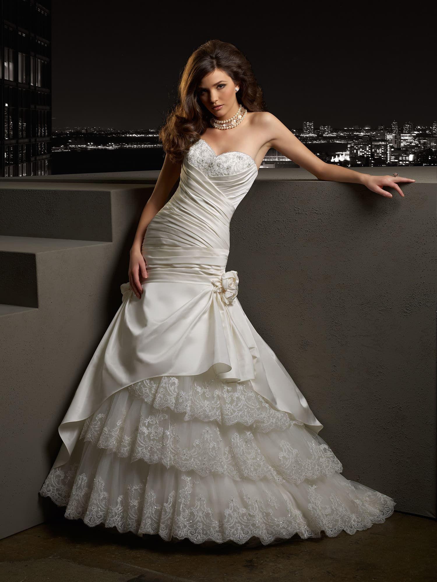 842688b21a9 Свадебное платье Madeline Gardner 37014 ▷ Свадебный Торговый Центр Вега в  Москве