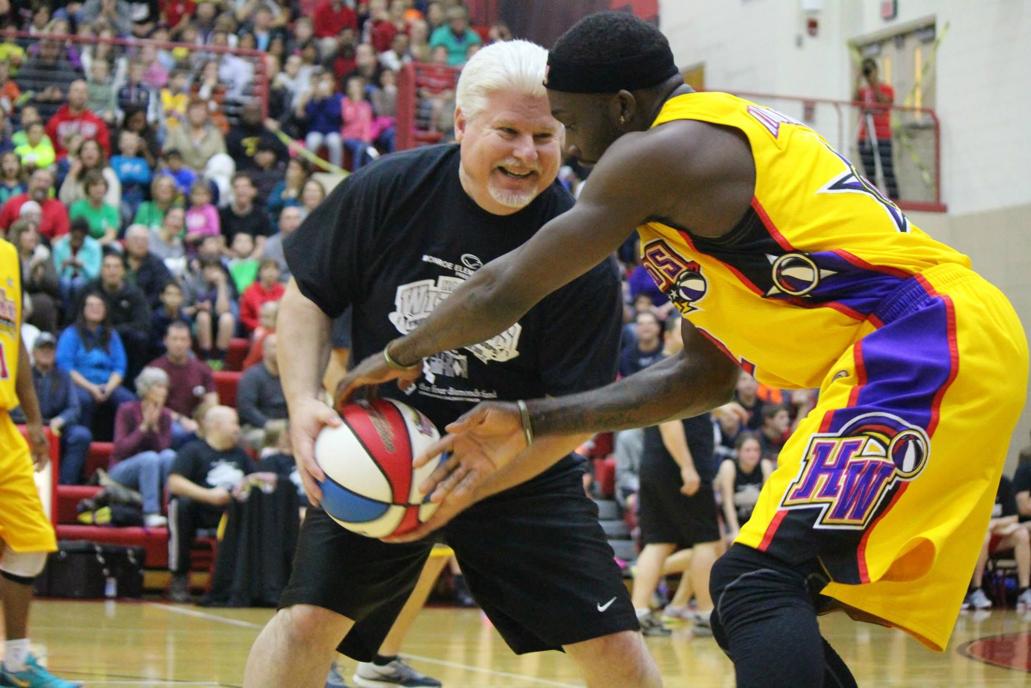Students At Cumberland Valley High School Organized A Friendly Faculty Vs Harlem Wizards Basketball Game To Be High School Organization Upcoming Events Harlem