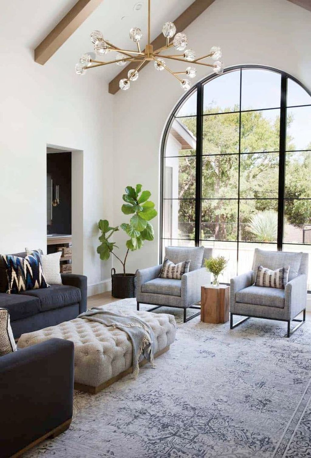 40 Lovely Living Room Decoration Ideas With Brilliant Lighting To Try Mediterranean Style Home Mediterranean Home Mediterranean Living Rooms Lovely living room decor