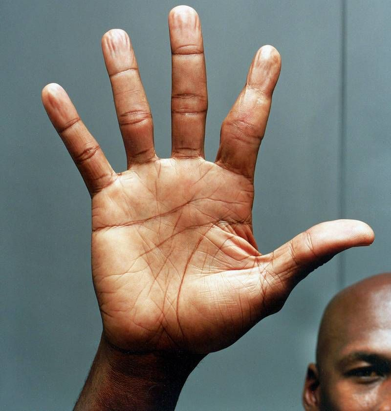 48bee60d20d656 This is Michael Jordan s right hand in 2005. His index finger is just a tad  messed up.