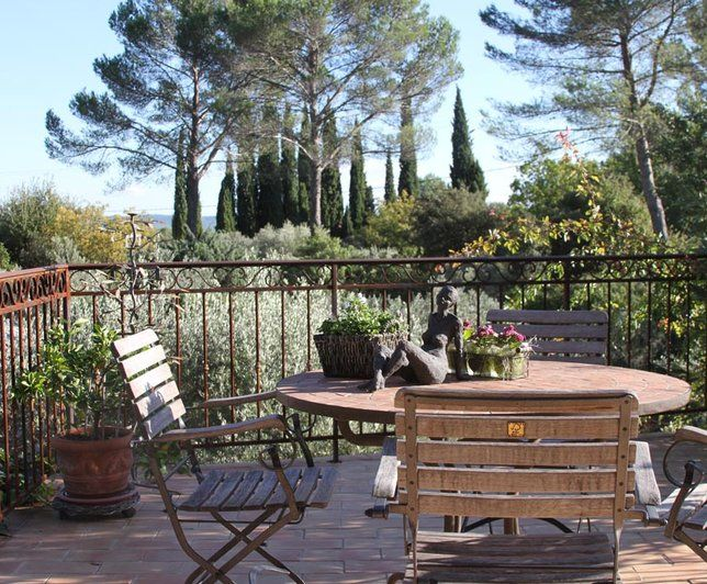 Terrasse style brocante for Maison de famille decoration
