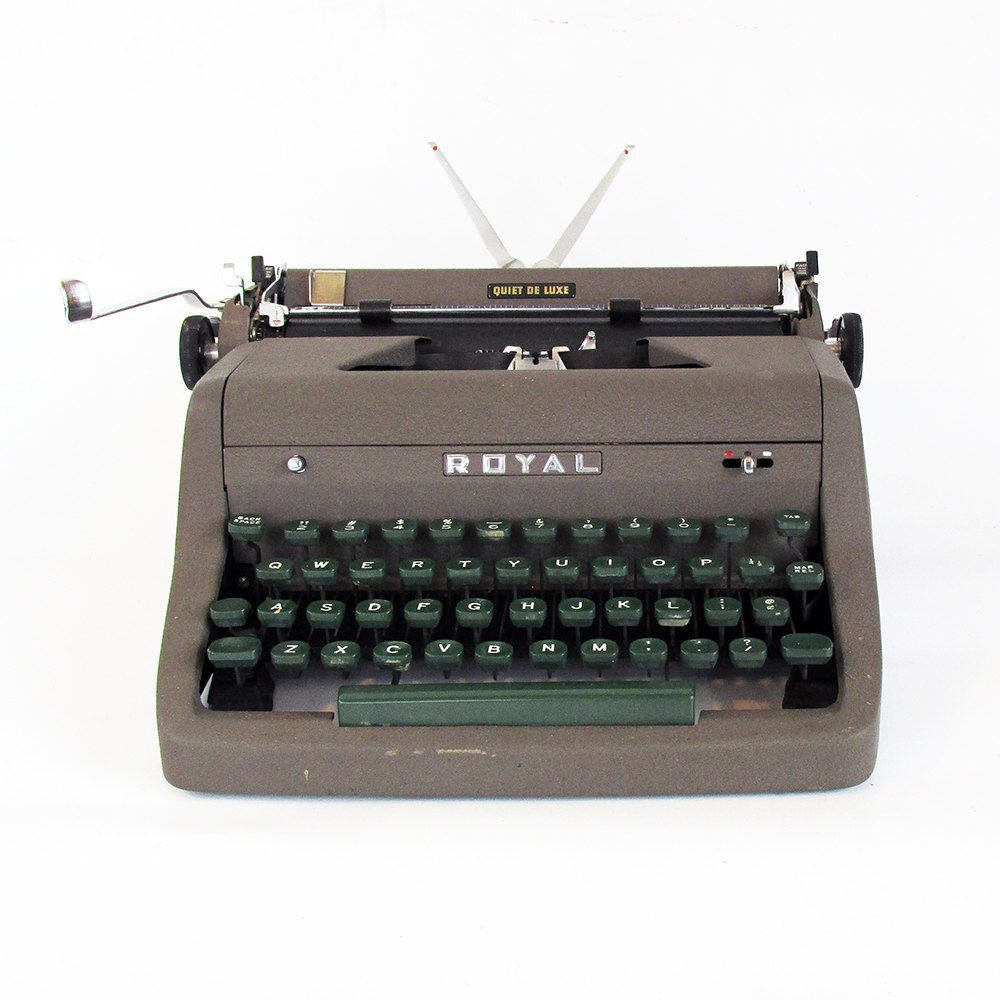 1953 Royal Quiet Deluxe Portable Typewriter With Case Manual Portable Typewriter Typewriter Vintage Typewriters
