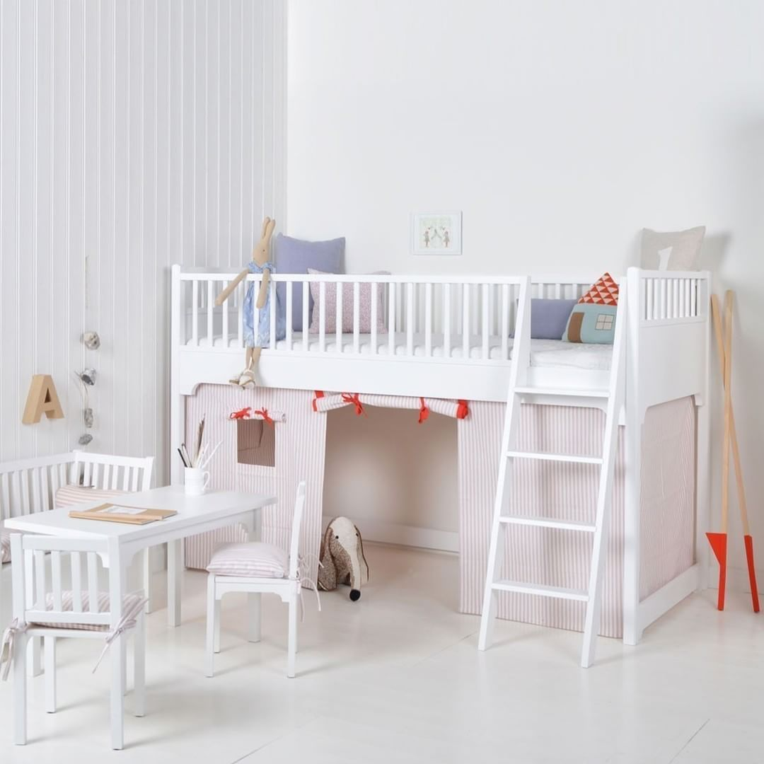 Cama alta infantil para habitaciones con poco espacio porque tiene ...