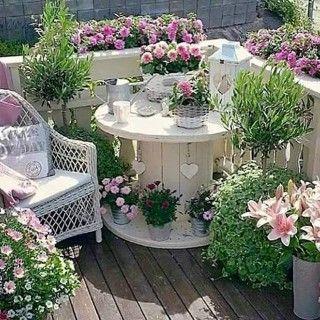 The BEST Garden Ideas and DIY Yard Projects! #yardideas